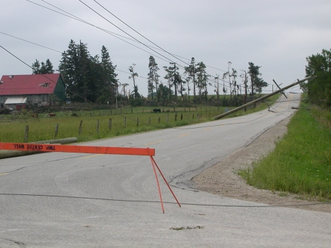 fergus-wires-down-tornado-damage