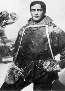 Ernest Shackleton in cold-weathergear