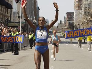 Dire Tune wins 2008 Boston Marahon women's race