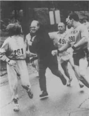 Kathryn Switzer attacked by race director Jock Semple during 1967 Boston Marathon