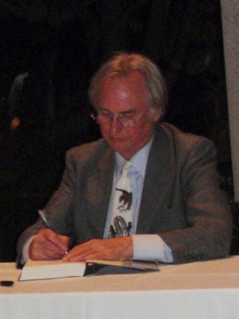 R-Dawkins-signing-crop2